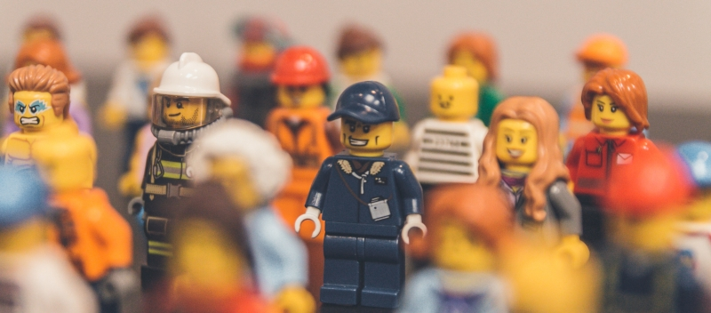 LEGO online community case study: what benefits do they get from it?